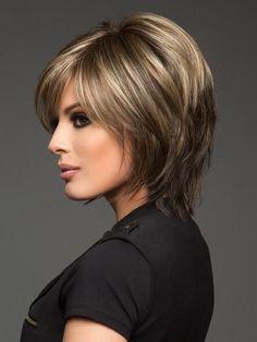 Color Chocolate-Frost R = Rooted Dark with a Dark Brown Base with Honey Blonde and Platinum highlights Short Layered Haircuts, Haircuts For Fine Hair, Short Bob Hairstyles, Bob Haircuts, Trending Hairstyles, Mom Hairstyles, Layer Haircuts, Straight Haircuts, Scene Hairstyles