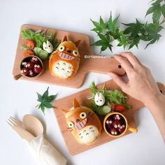 Totoro lunch by Japanese Food Art, Japanese Sweets, Cute Food, Good Food, Yummy Food, Totoro, Kawaii Cooking, Cute Bento Boxes, Kawaii Bento