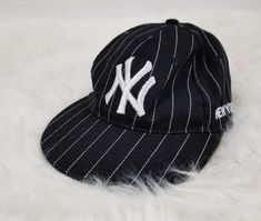New York Yankees Stadium Old Fashion Baseball Cap Fitted 7 1 8 Black Stripe    5024fdbf2d4