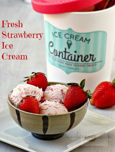 Egg-free and creamy-licious Fresh Strawberry Ice Cream. So easy to make and no need to use an ice cream maker!   manilaspoon.com