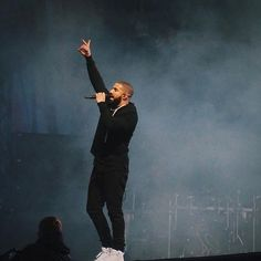 Drake performs at Wireless Festival 2015