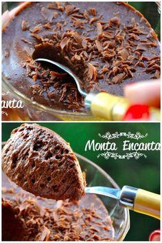 Mousse de Chocolate Tradicional. O sabor do chocolate meio amargo equilibra o ao leite é o ponto alto desta receita. Que fica para lá deliciosa!