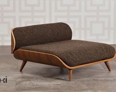 Pixi mid century modern dog bed