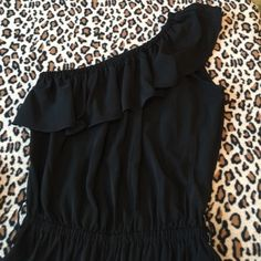 Romper Ruffled romper - off the shoulder.  Wear casual or dress it up with a belt. Looks cute with western boots.  Comes with sash only. Pants Jumpsuits & Rompers