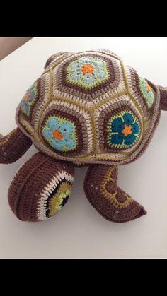Crochet PATTERN No 1616 -sea turtle by Krawka, turtle, tortoise, sea creature, cute Crochet Bunny Pattern, Crochet Animal Patterns, Stuffed Animal Patterns, Cute Crochet, Crochet Animals, Flower Patterns, Crochet African Flowers, Crochet Flowers, Crochet Gifts