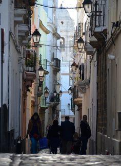Pasear las calles de Cádiz es una delicia.
