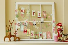 Amazing Christmas memo board. -38 Last-Minute Budget-Friendly DIY Christmas Decorations