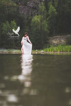 Water forest maternity | maternity dress | creative maternity session | Swift Sparrow Photography | Yellowknife | Northwest Territories | Canada