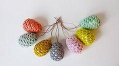 Pip, gok neongul påskeplim - æg i Granny style Granny Style, My Granny, Crochet Hooks, Knit Crochet, Egg And I, Easter Art, Easter Crochet, Holidays And Events, Diy And Crafts