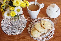 http://www.ghid-culinar.ro/retete-culinare/dulciuri-diverse/paleuri-simple-cu-stafide.html