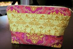 Fat Quarter Gang: Ruffled Pouch Tutorial By Lee Heinrich from Freshly Pieced