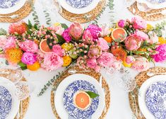 Summer Centerpieces, Floral Centerpieces, Floral Arrangements, Fruit In Season, Estilo Boho, Tablescapes, Table Settings, Place Settings, Table Decorations