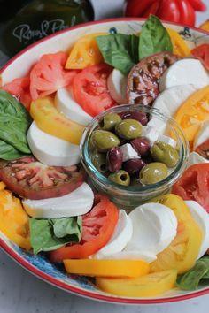 Simple Caprese Salad - Hip Foodie Mom