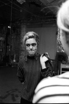 Edie Sedgwick at Andy Warhol's Party by Bob Adelman, 1965 Andy Warhol, Edie Sedgwick, Poor Little Rich Girl, Sweet Charity, American Actress, American Girl, Style Icons, Superstar, Chelsea