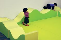 Colline by Play+ / Design by ZPZ Partners Classroom Furniture, Nursery Furniture, Kids Play Area, Kids Room, Soft Play Centre, School Cafe, 3d Landscape, Learning Spaces, Classroom Design