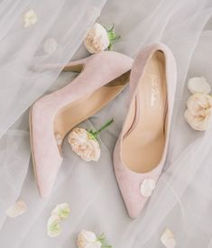 These are our absolute favorite shops buy your wedding shoes, bridal heels, chic flats & bridal booties. Unique Wedding Shoes, Bridal Wedding Shoes, Bridal Heels, Dream Wedding, Bridal Shoes Online, Bohemian Sandals, Fashion Corner, Bridal Musings, Jimmy Choo Shoes