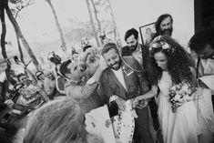 Καλοκαιρινός Γάμος στην Ιθάκη - Bride Diaries Summer Wedding, Crown, Concert, Fashion, Moda, Corona, Fashion Styles, Fasion, Concerts