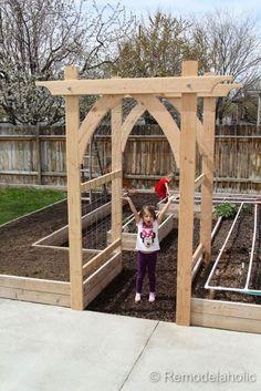 awesome 62 Affordable Backyard Vegetable Garden Designs Ideas #vegetablegardeningdesign