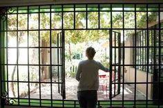 ventana mampara hierro vidrio repartido