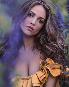 Beautiful celebrities and starlets. Actresses, singers, models and more! Beautiful Celebrities, Gorgeous Women, Beautiful People, Beautiful Lips, Celebrities Fashion, Beautiful Places, Brunette Beauty, Hair Beauty, Beauty 360