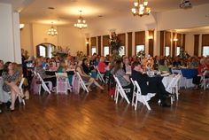 Full room to celebrate women in Oldham County