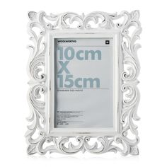 For photos we bring you the Lola Resin Frame. It's beauty and elegance, mom will spell out your name.
