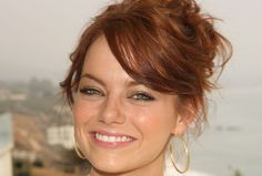 Nonverbal Communication Analysis No. 3867: What Makes the Twinkle in Her Eye? Emma Stone, Romance and Flirting - Body Language and Emotional Intelligence (PHOTOS)  http://www.bodylanguagesuccess.com/2017/03/nonverbal-communication-analysis-no_3.html
