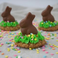 Easy and fun Easter Oatmeal Cookie Treats - great activity for the holiday!