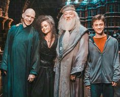Harry Potter (and Voldemort with a NOSE! Harry Potter Tumblr, Harry Potter World, Mundo Harry Potter, Harry Potter Actors, Always Harry Potter, Slytherin Harry Potter, Harry Potter Pictures, Harry Potter Universal, Harry Potter Voldemort