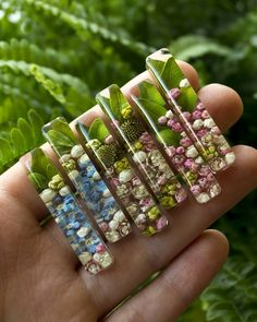 Likes, 86 Comments – 🍏 Ornamente aus Blumen und Kräutern … - Izabel epoxy resin Ice Resin, Epoxy Resin Art, Wood Resin, Resin Molds, Diy Resin Crafts, Jewelry Crafts, Handmade Jewelry, Stick Crafts, Bead Crafts