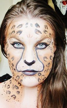 The professional's leopard facepainting