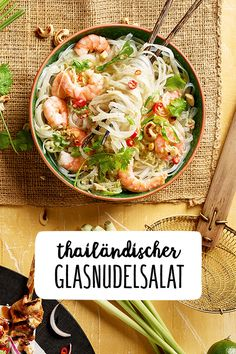 Thailändischer Glasnudelsalat Thai Glass Noodle Salad with Shrimps Low Carp Healthy Healthy Food Cashew Kernels Coconut Milk and Glass Noodles Thai Cooking Thai Cuisine Ginger recipes healthy Milk Recipes, Raw Food Recipes, Asian Recipes, Ethnic Recipes, Hamburger Meat Recipes, Sausage Recipes, Thai Glass Noodle Salad, Shrimp Recipes, Chicken Recipes