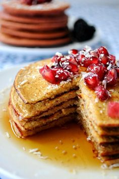 Healthy Apple Vanilla Greek Yogurt Pancakes #pancakes #greekyogurt #apple