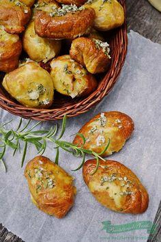 Pretzel Bites, Baked Potato, Potatoes, Baking, Ethnic Recipes, Breads, Food, Pretzels, Salads