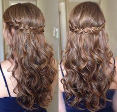Hairstyles fácil para o cabelo encaracolado longo