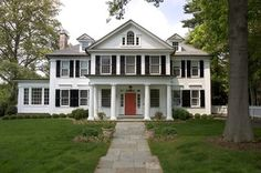 Extraordinary White House Decoration ideas for stunning Exterior Traditional design ideas with arched window black shutters bluestone path clapboard siding colonial columns curb appeal Design Exterior, Exterior House Colors, Exterior Shutters, Grey Exterior, Exterior Paint, Style At Home, Exterior Tradicional, American Home Design, American Modern