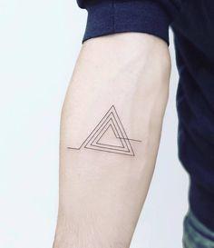 30 Minimalist Geometric Tattoos by Laura Martinez - Page 2 of 3 - TattooAdore