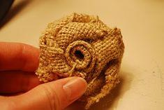 Want to try this DIY burlap flowers! Burlap Rosettes, Burlap Flowers, Fabric Flowers, Diy Flowers, Flower Ideas, Burlap Wreath, Burlap Flower Tutorial, Rose Tutorial, Diy Tutorial