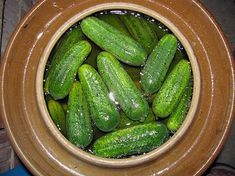 Gewürzgurken aus dem Steintopf Gherkins from the stone pot, a good recipe from the category vegetables. How To Make Saurkraut, How To Make Pickles, Pickling Cucumbers, How To Make Cookies, Canning Recipes, Good Food, Food And Drink, Homemade, Vegetables