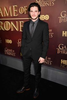 Pin for Later: The Game of Thrones Cast Was Hardly Recognizable at Last Night's Premiere Kit Harington Kit kept it classic, wearing a simple black suit with a gray shirt underneath. Black Suit Black Shirt, Black Suit Men, Grey Shirt, Black Suit Wedding, Wedding Suits, Wedding Dresses, Kit Harington, Groom Attire Black, Groom Suits