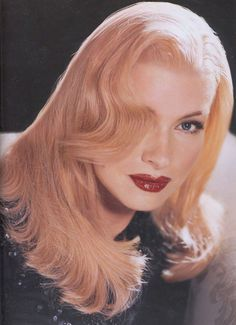 Get ready to have your mind blown Kevin Aucoin/Martha Stewart as Veronica Lake