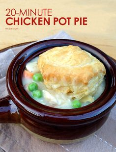 Try a quick and easy twist on the classic chicken pot pie.  #chickenpotpie #quickdinners #pie #comfortfood