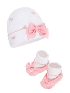 seeking the perfect shower present? with our cap & bootie set we've got you--and the new baby--covered!