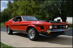 1971 Ford Mustang Boss 351 Fastback 351/330 HP, 4-Speed. if only it was two years older...