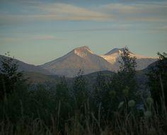 Volcán Mochochoshuenco visto desde Riñihue, XV Región de Los Ríos. Chile.