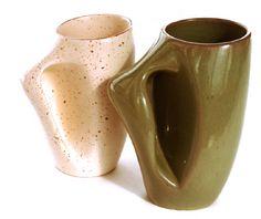 Beaudin mugs canadian design Mug Cup, Pottery Art, Lp, Pots, Coffee Mugs, Tea Cups, Decorating, Tableware, Vintage