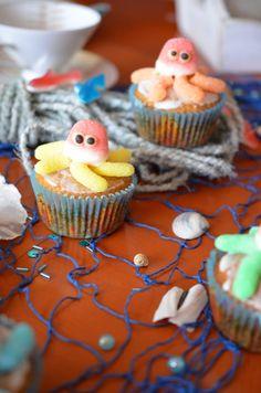 Bevor hier im Blog die Weihnachtsbäckerei losgeht, möchte ich Euch heute noch schnell das letzte Rezept zur Meerjungfrauen-Party meine...