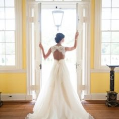 Stunning Southern Bridal Session at a beautiful Lowcountry Plantation in Charleston, SC.