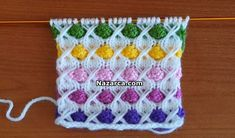 This Pin was discovered by Ümr Loom Knitting, Knitting Stitches, Knit Patterns, Stitch Patterns, Woolen Tops, Pull, Knit Crochet, Diy And Crafts, Throw Pillows