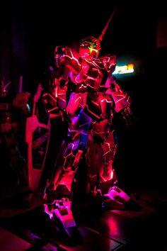 PG 1/60 RX-0 Unicorn Gundam w/ LED - Build Images